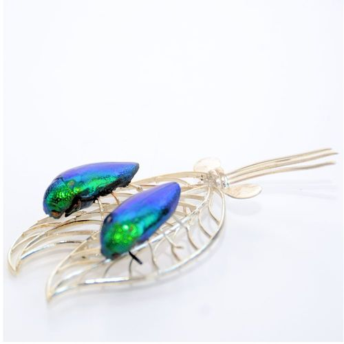 Emerald beetle brooch twin Emerald beetle brooch twin. silver plated