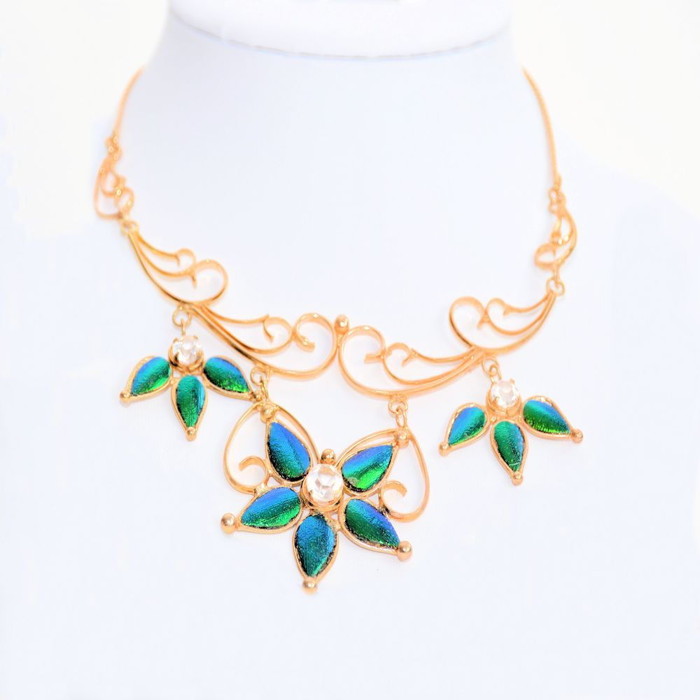 Goldplated_Collier_empressWings_1b